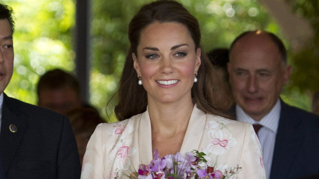 Catherine, Duchess of Cambridge and Prince William, Duke of Cambridge during their visit to Singapore Botanical Gardens on Tuesday. (Getty Images)