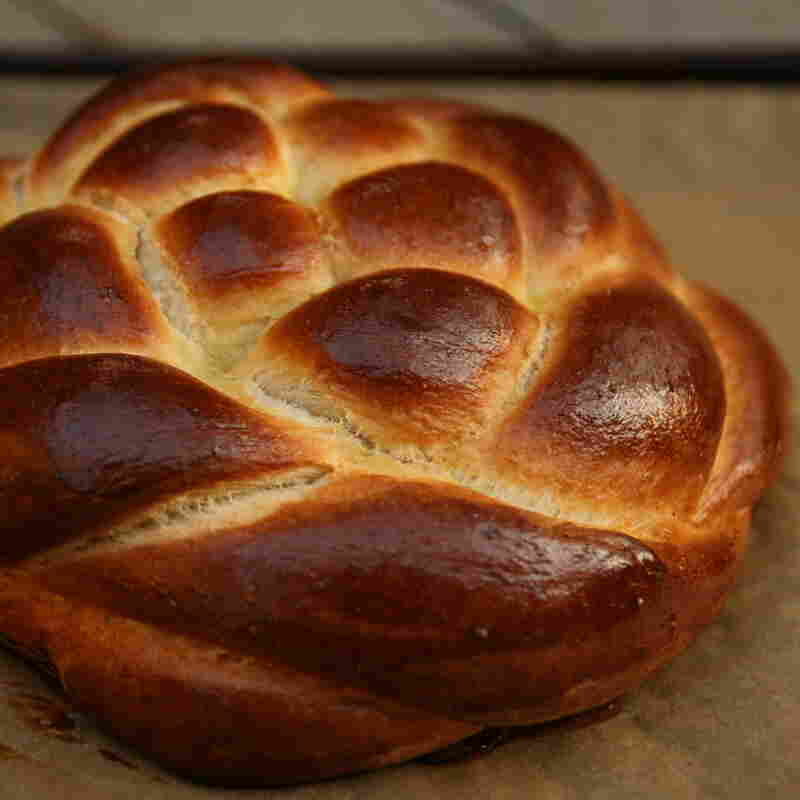 Rosh Hashana's Sacred Bread Offers Meaning In Many Shapes And Sizes