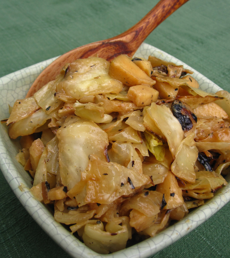 Grilled Cabbage And Apple Slaw
