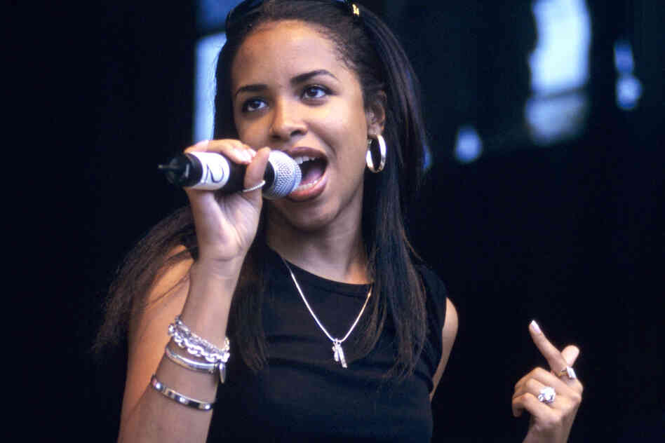 The singer Aaliyah, performing in 1998. Since her death in 2001, many singers have applied her soft, sexy vocal style to R&B, pop and indie hits.