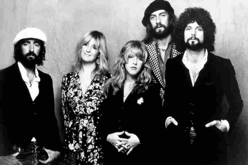 After Stevie Nicks (center) and Lindsey Buckingham (right) joined Fleetwood Mac in 1974, the group included three lead singers. (Christine McVie is second from left.)