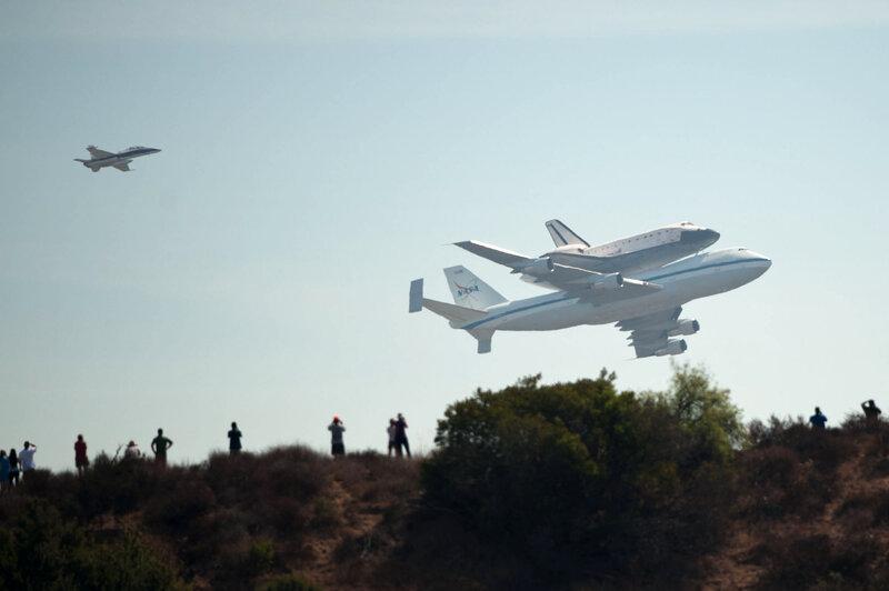 Touchdown: Space Shuttle Endeavour Lands In Los Angeles ...