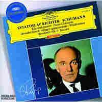 Richter plays Schumann.
