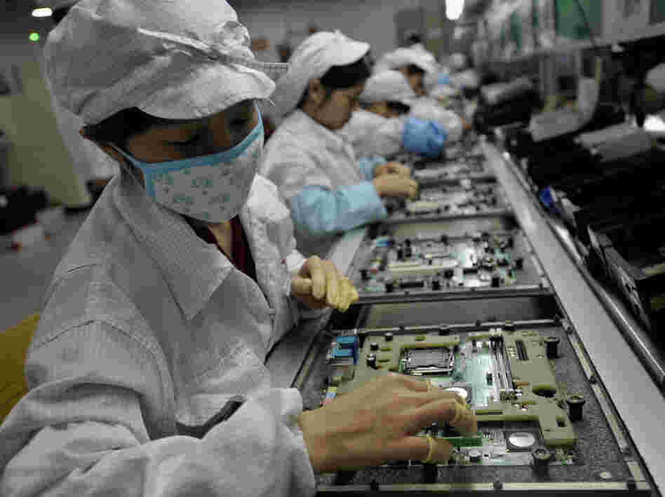 foxconn 2612c9ae1e3a4bbb9b3496890fa153dd66697f9b s6 c10 Foxconn signs deal with Microsoft