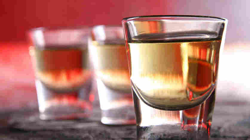 """Just 10 to 15 minutes of counseling from primary care doctors can reduce the risk of """"risky"""" drinking, a federal task force says."""