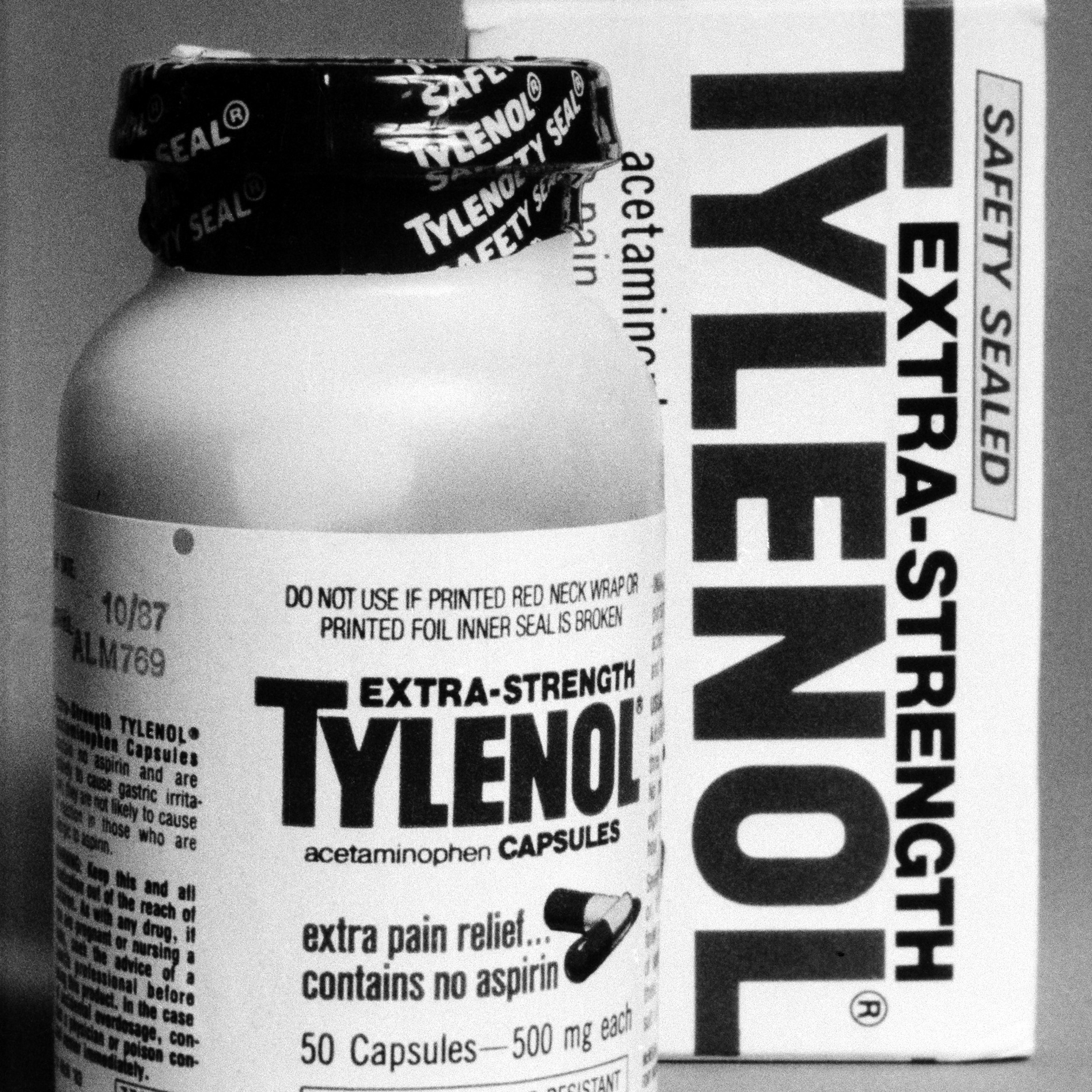 The Food and Drug Administration warned that consumers should avoid using Tylenol capsules until further notice, Feb. 13, 1986.