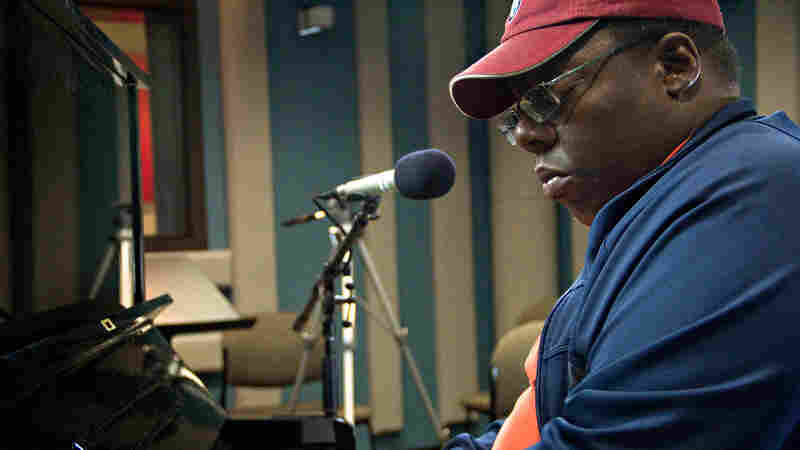 Cyrus Chestnut performs on Jazz24.