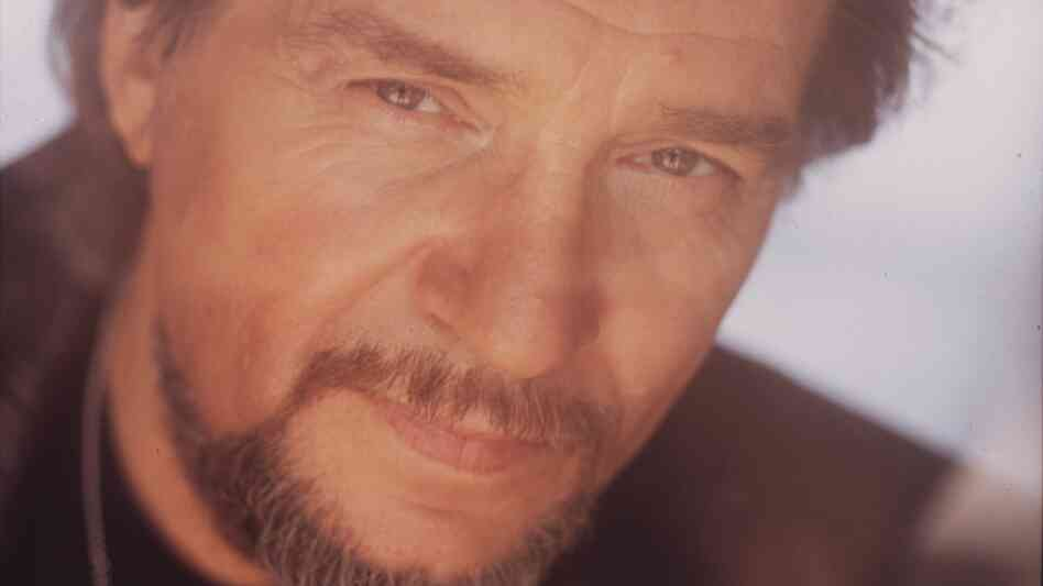 Goin' Down Rockin': The Last Recordings is a new album of songs by Waylon Jennings, who died in 2002.