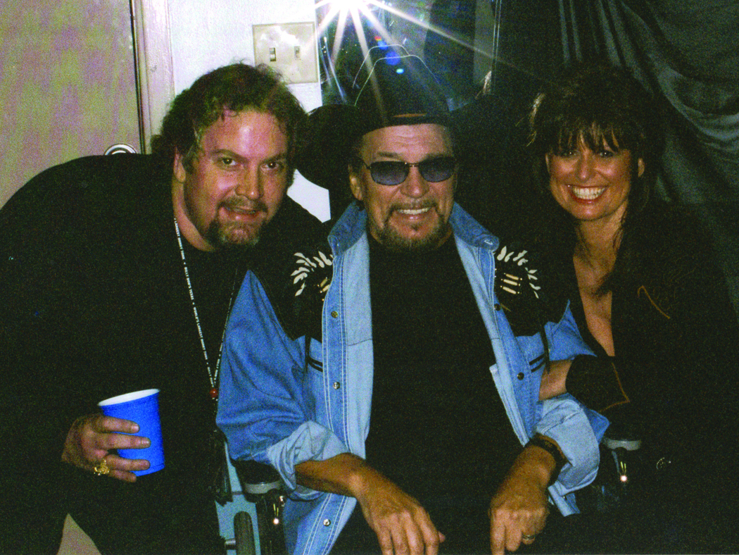 From left to right: Robby Turner, Waylon Jennings and Jessi Colter.