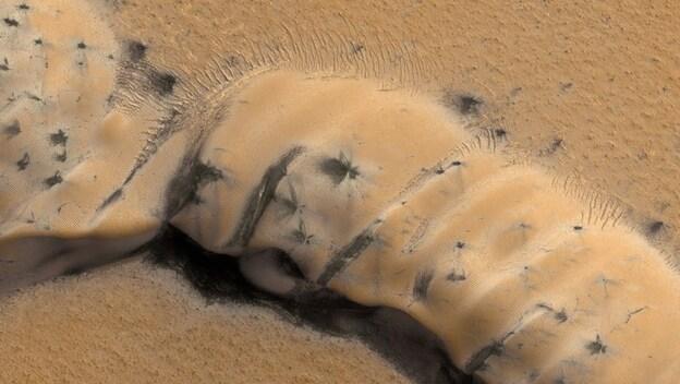 (NASA/JPL/University of Arizona/Kinetikon Pictures)