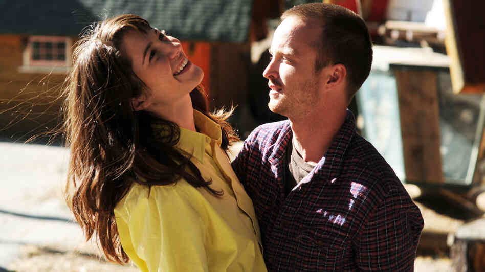 Kate Hannah (Mary Elizabeth Winstead) and Charlie (Aaron Paul) in Smashed.