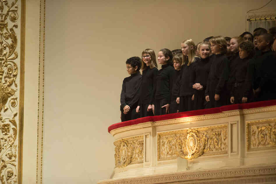 Young singers from the Chicago Children's Choir, directed by Josephine Lee, traveled to New York to take part in this performance.