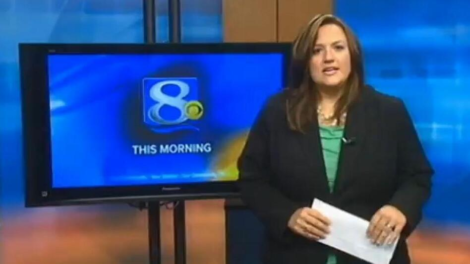 La Crosse, Wis., TV anchor Jennifer Livingston during her on-air response. (WKBT)