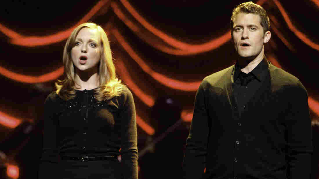 Emma (Jayma Mays) and Will (Matthew Morrison) are only one of the challenged couples in tonight's Glee.