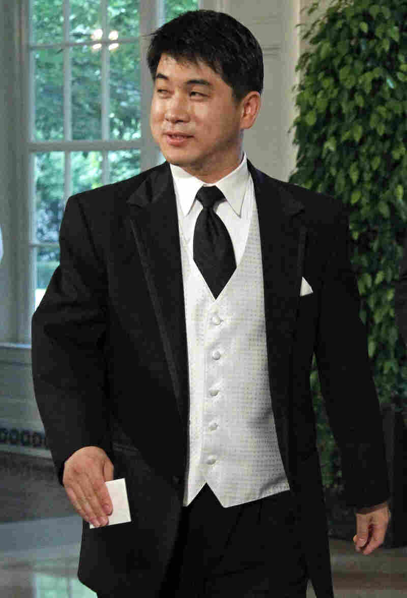 U.S. Speedskating coach Jae Su Chun arrives for a state dinner at the White House in 2010. Nineteen current and former skaters, including five Olympic medalists, filed complaints accusing him of abuse.