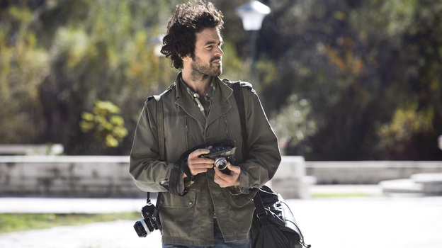 Paul (Romain Duris), an aspiring photographer, assumes another man's identity to escape his job, marriage and dull life. (MPI Media Group)