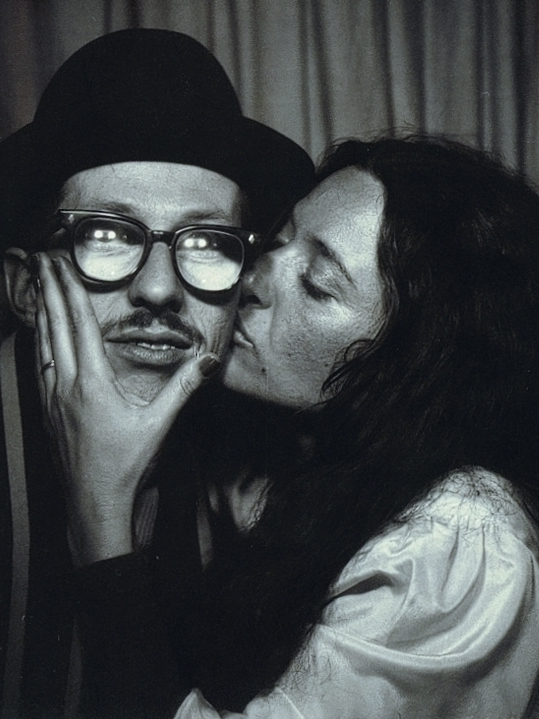 Robert Crumb and Aline Kominsky Crumb are comics artists. Together, they produced the autobiographical series Dirty Laundry Comics.