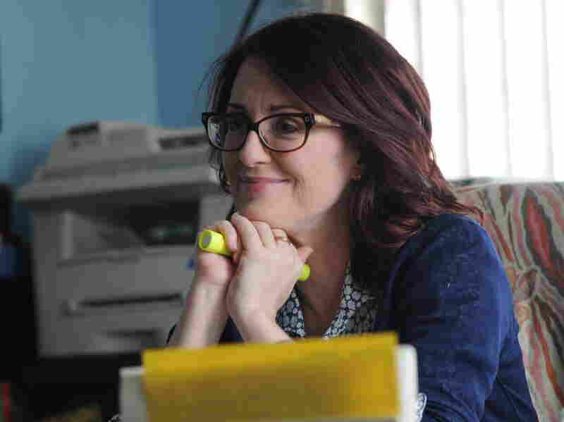 Kate lies to her boss, Principal Barnes (Megan Mullally), about being pregnant in order to hide her drinking problem.