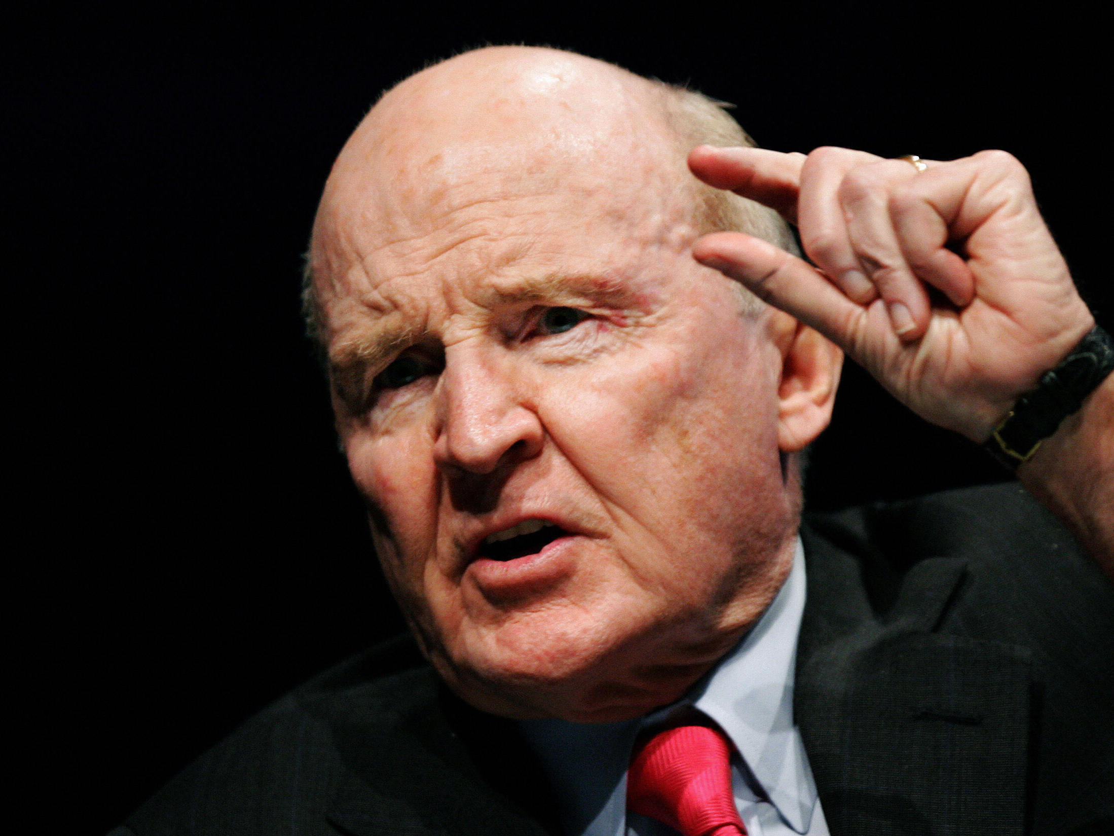 general electric and jack welch John f jack welch jr (born 1935) rose from the ranks of general electric (ge)  to be named the company's youngest ever chief executive officer in 1981.