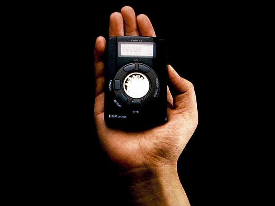 The Hardware: The Rio, a portable MP3 player introduced by Diamond Multimedia in 1998, had 32MB of internal memory, just about enough to hold one 35-minute album of MP3s encoded at 128 kBps.