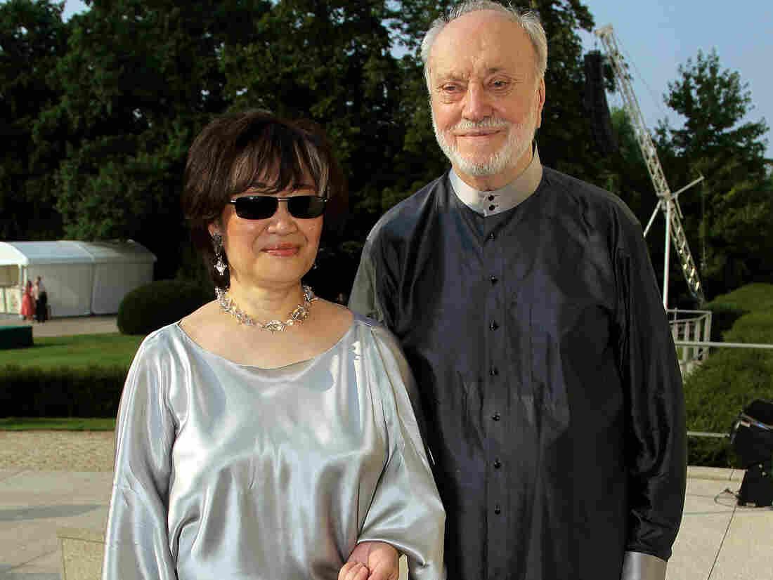 Conductor Kurt Masur and his wife Tomoko in 2010.