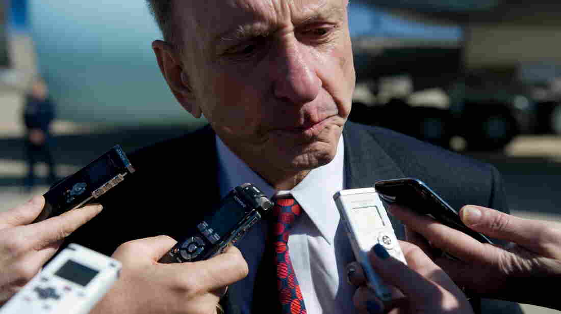 Sen. Arlen Specter speaks to the media at the base of Air Force One in Maryland in 2010. Specter died Sunday at the age of 82.