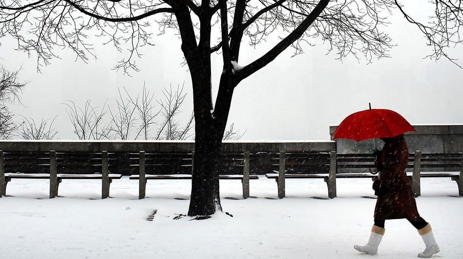 Jan. 21, 2012: A winter scene in Brooklyn, N.Y. Snow may be a relatively rare sight this coming winter in the U.S. (Getty Images)