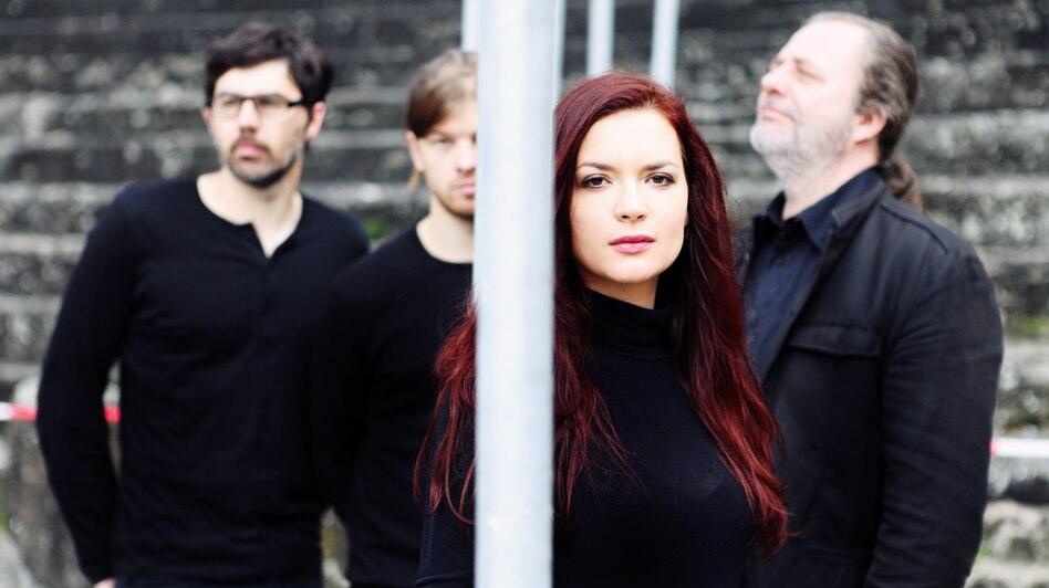 On <em>Matane Malit</em>, the Elina Duni Quartet lays expansive instrumentation over traditional Albanian folk melodies.<em></em>