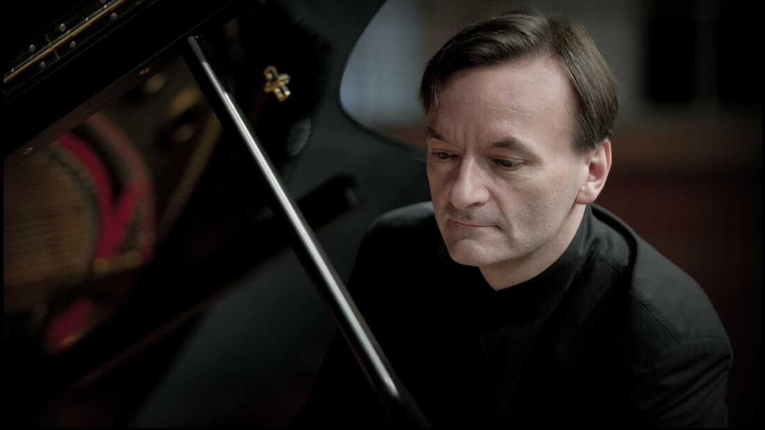 Stephen Hough's 'French Album,' A 'Musical Dessert Trolley'