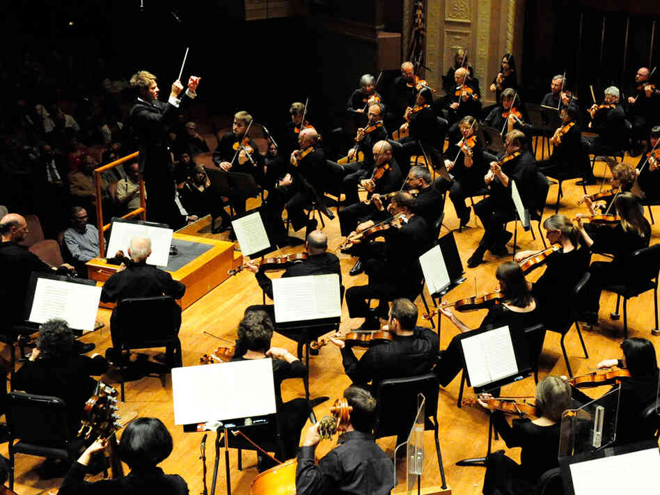 After a contentious labor duspute, the Indianapolis Symphony returns to the stage this weekend.