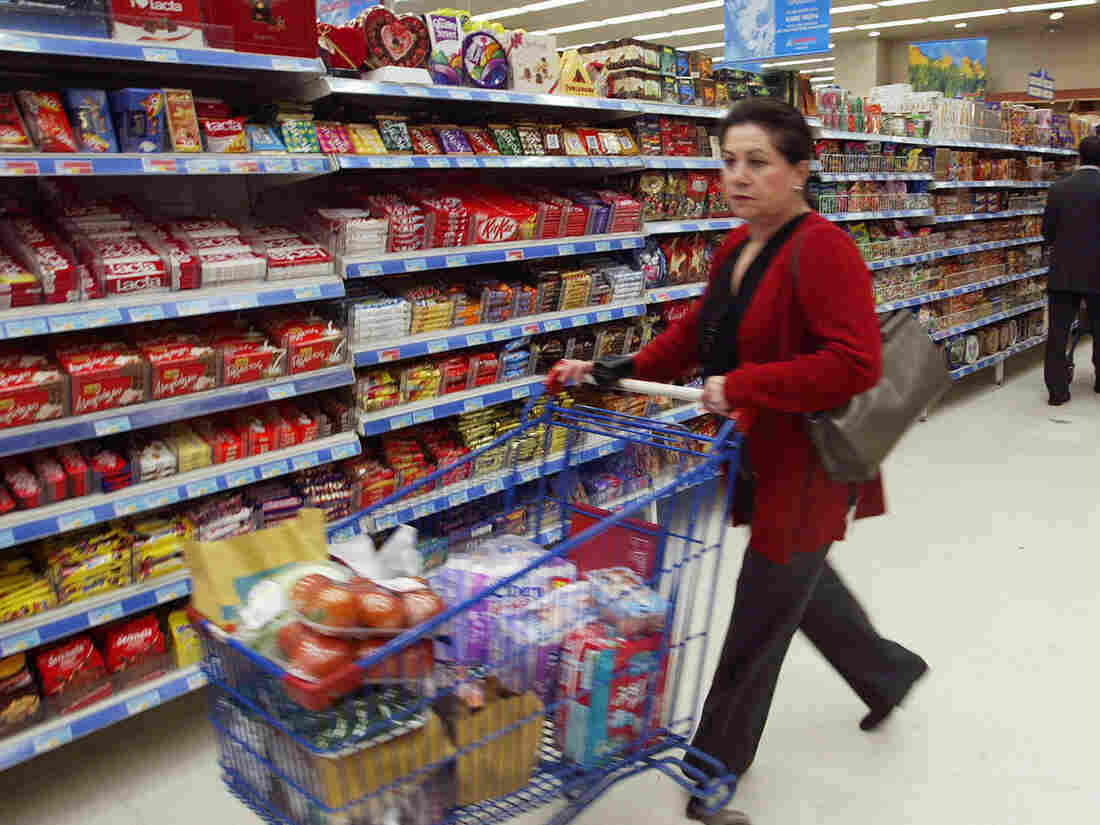 Bargain-hunting Greek shoppers may soon have more options at the grocery store. The government is asking retailers to discount expired nonperishable products in response to rising food prices.