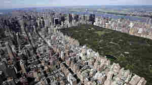 Aerial view over the Upper East Side of Manhattan and Central Park in July 2007.