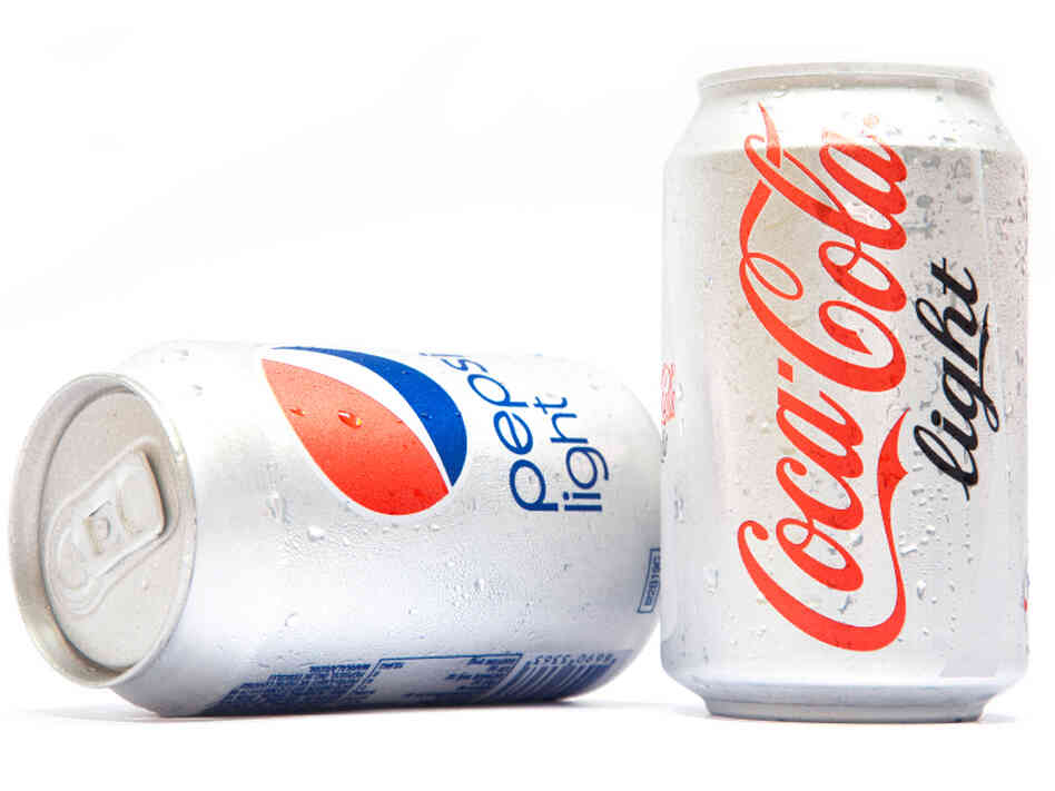 The co-author of a controversial study on diet soda's link to blood cancers says his results fall into a gray zon