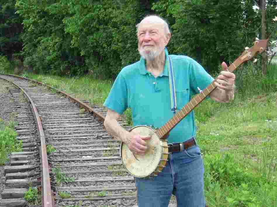 Pete Seeger released two albums this year: Pete Remembers Woody (a Woody Guthrie tribute) and A More Perfect Union, a collaboration with guitarist Lorre Wyatt.