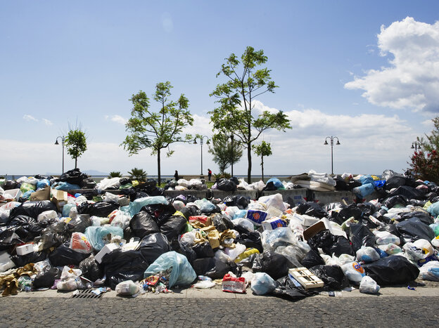 In May 2011, uncollected rubbish piled up in Naples, Italy. Sweden hopes Italy might be willing to export the problem.