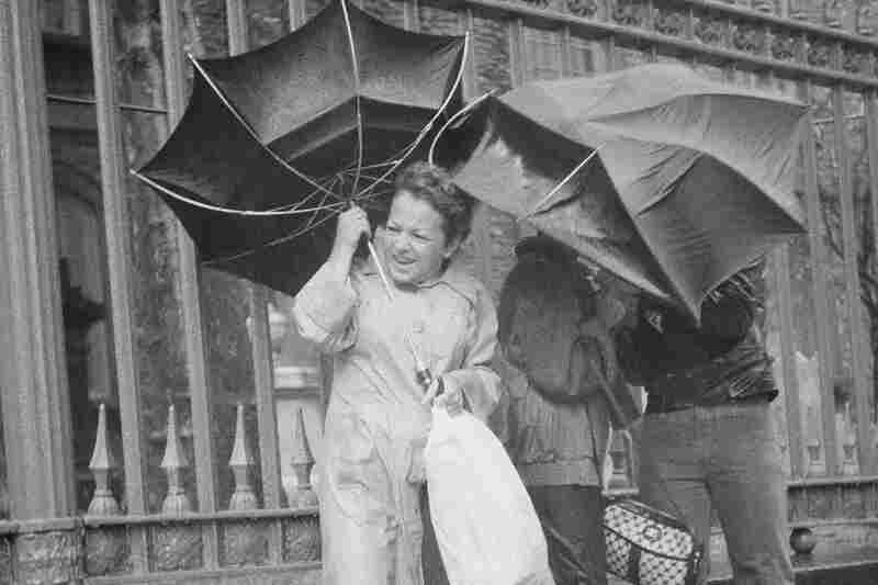New Yorkers brace against winds from Hurricane Gloria, 1985.
