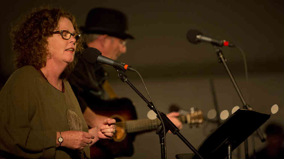 Mollie O'Brien and Rich Moore perform on Mountain Stage.