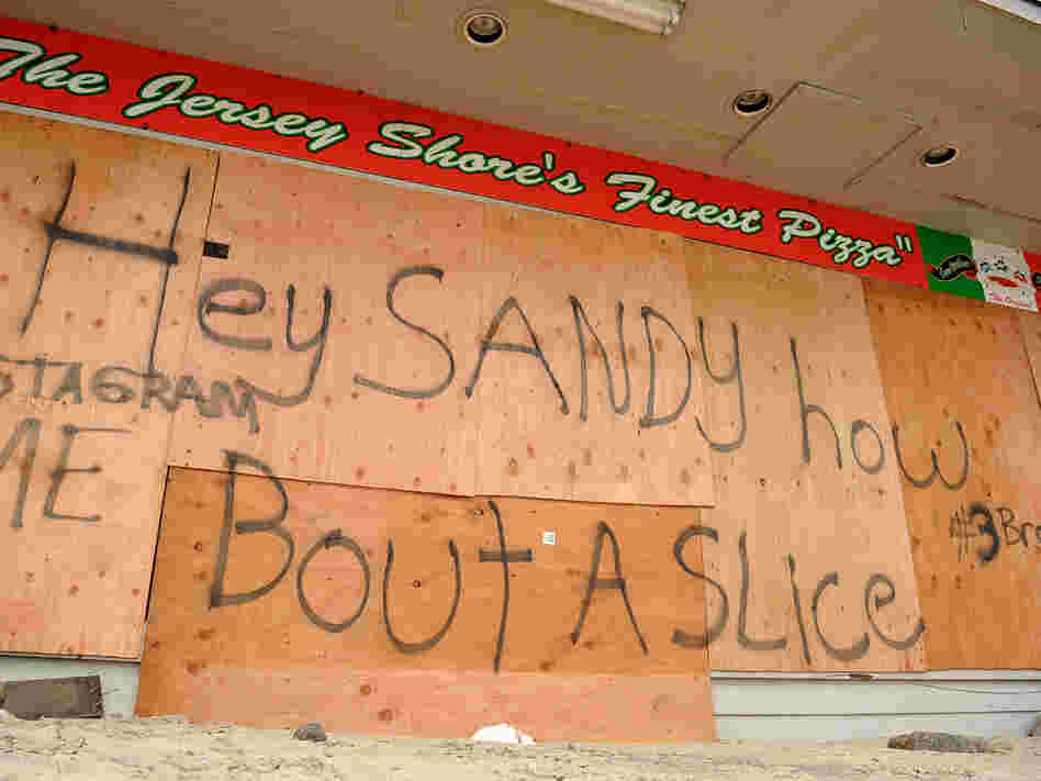 While this pizzeria in Belmar, N.J., remained closed after Hurricane Sandy, Geno D's in Toms River turned out 500 pies to grateful customers on Wednesday.
