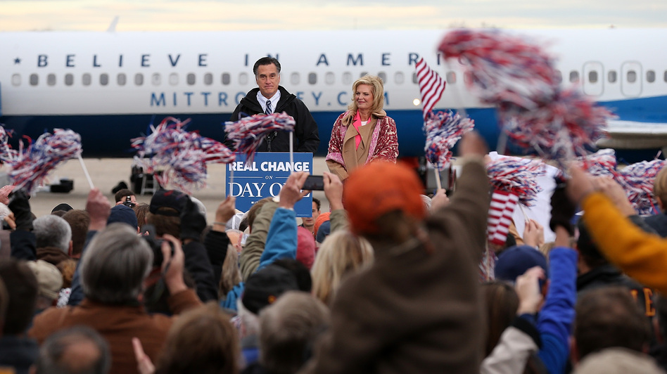 Republican presidential candidate Mitt Romney holds a campaign rally in Newington, N.H., on Saturday. (Getty Images)