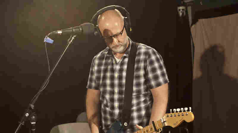 Bob Mould: He's Going Down Singing