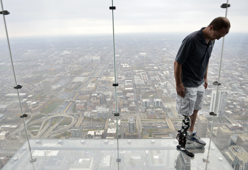 Amputee Climbs 103 Floors Of Chicago S Willis Tower Using Bionic
