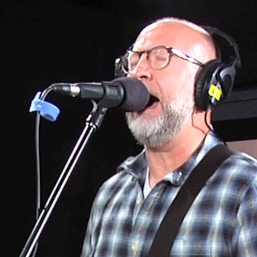 Bob Mould performs on WFUV.