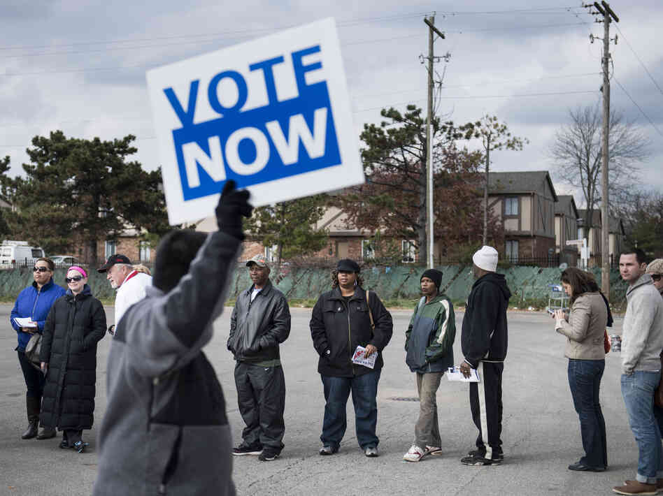 In Columbus, Ohio, on Sunday, folks lined up to cast early ballots.