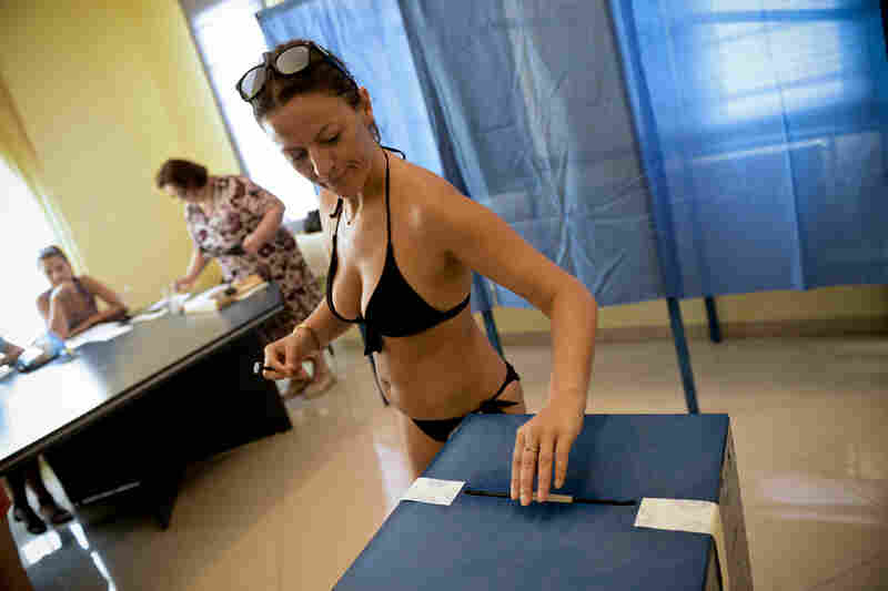 To ensure holiday-goers a chance to vote in Romania, additional polling stations are set up near resorts along the Black Sea coast during a presidential impeachment referendum in 2012.