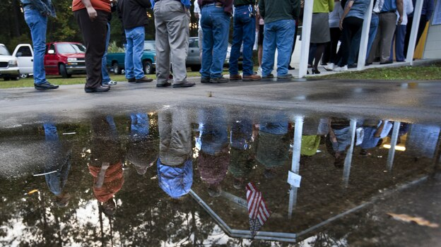 Voters line up to cast a ballot in Crawfordville, Fla. (Getty Images)