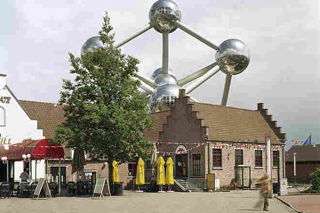 "Brussels 1958 world's fair, ""A World View: A New Humanism,"" Atomium, 2007"