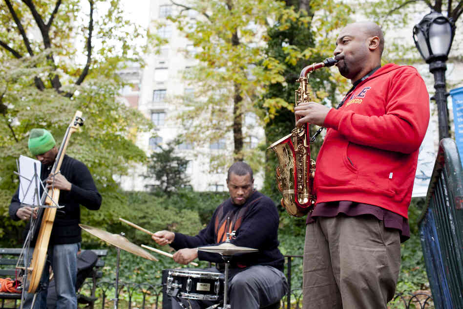 Kahlil Kwame Bell and his band performed at the Arsenal, near the Central Park Zoo.