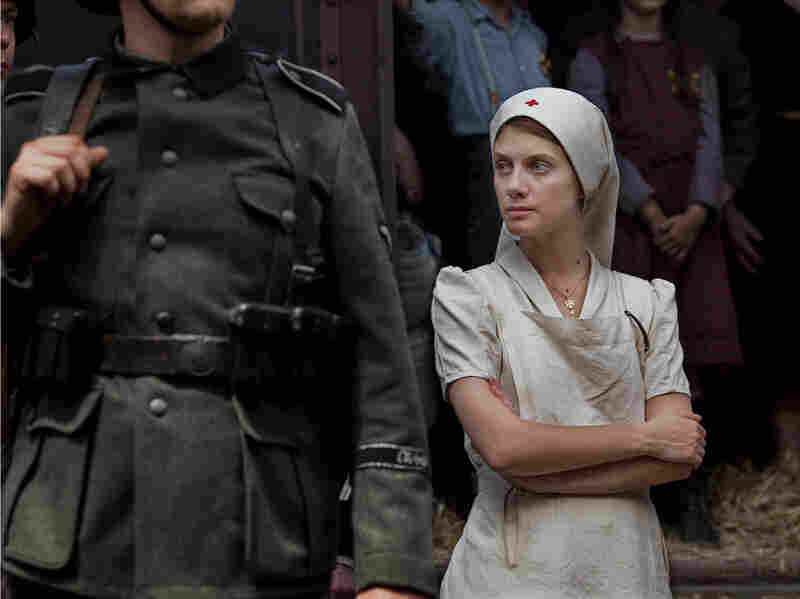 Annette Monod (Melanie Laurent), a Protestant nurse, volunteers to help a Jewish doctor during World War II.