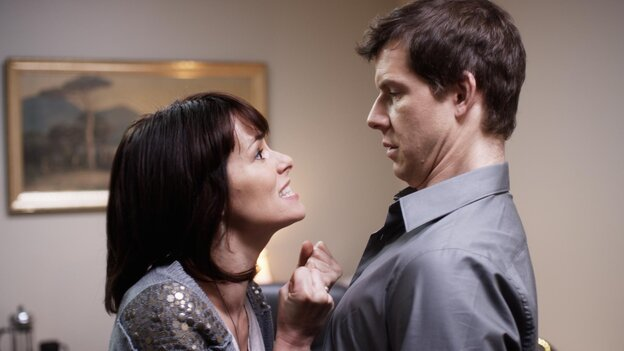 Susan (Parker Posey), a corporate manager of a supermarket chain, tries to make Pete (Eric Mabius) see how great life in the fast lane can be.