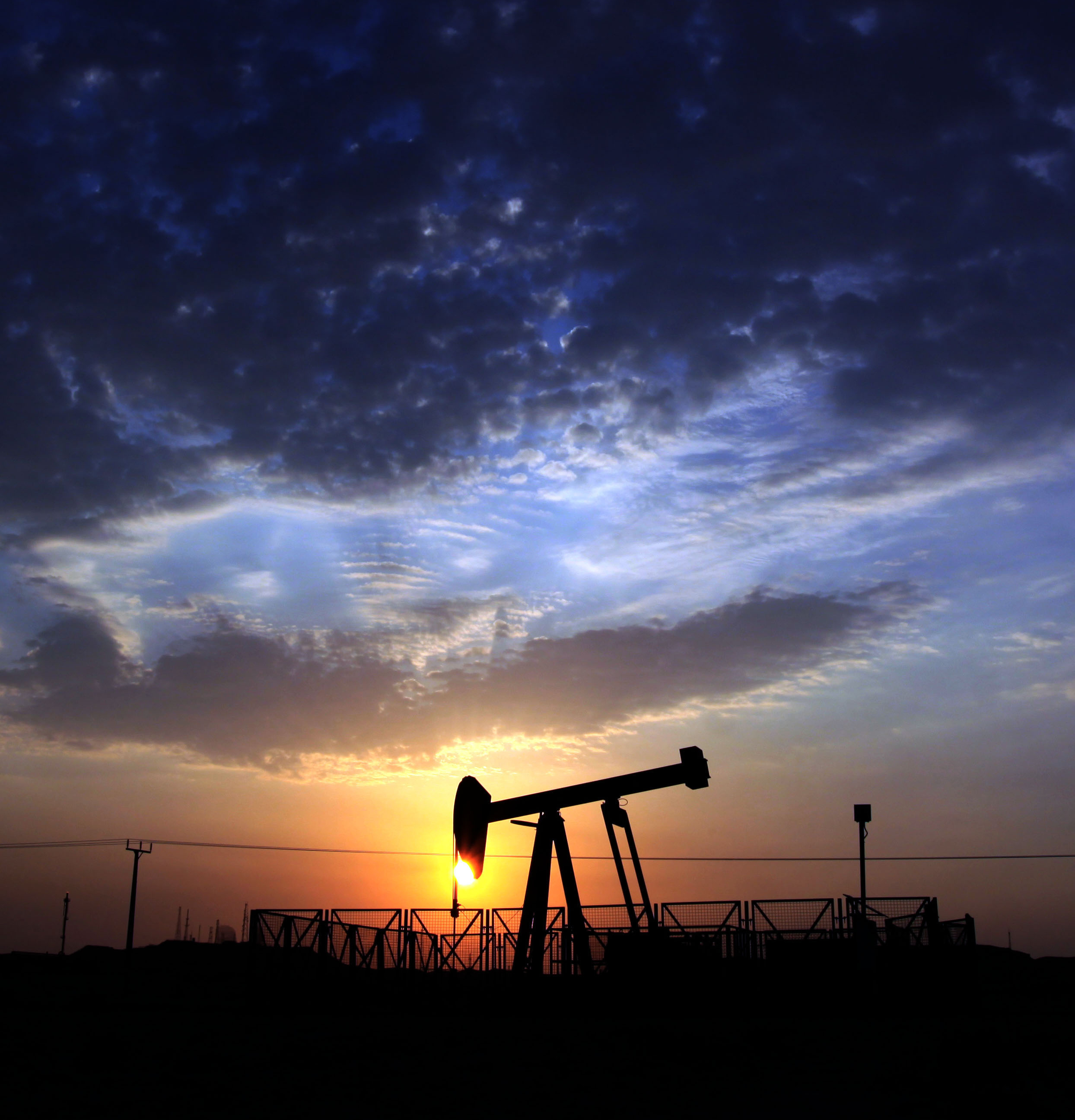 Ending the U.S. oil export ban gets praised and pilloried